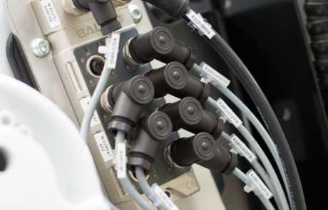 Optymalizacja linii produkcyjnej - koncentrator wejść/wyjść - Balluff Innovating Automation