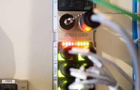 Optymalizacja linii produkcyjnej - master IO-Link Profinet - Balluff Innovating Automation