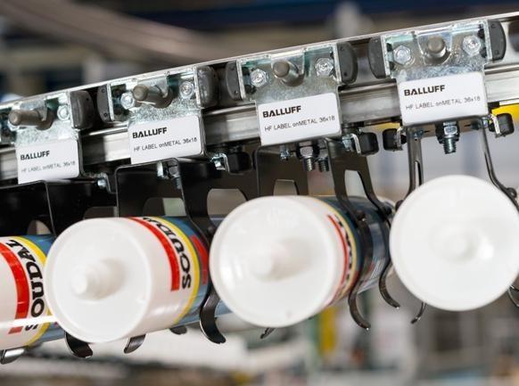 Optymalizacja procesów produkcji - płaskie tagi w technologii RFID, służące identyfikacji towarów - Innovating Automation