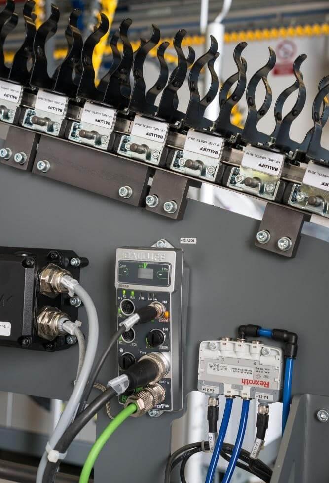 Serce systemu służącego identyfikacji towarów - procesor BIS V - Innovating Automation