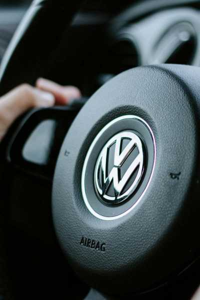 System RFID w fabryce Volkswagena - Balluff Innovating Automation